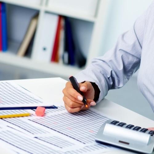 Jak udokumentować podróż służbową w księdze przychodów i rozchodów?