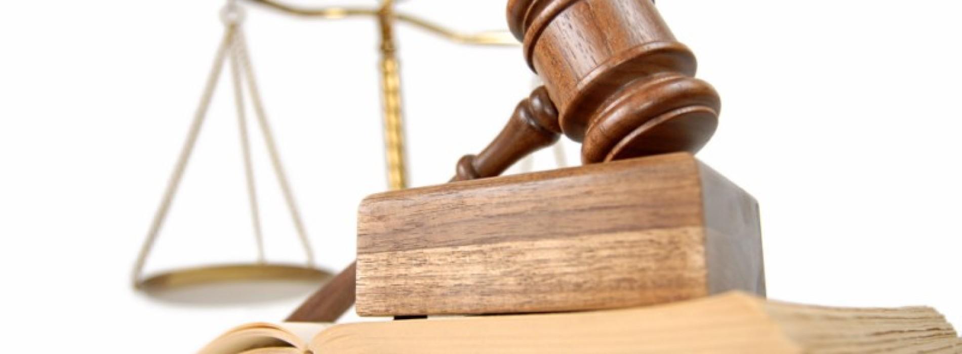 Kiedy poszkodowany powinien zjawić się w sądzie?