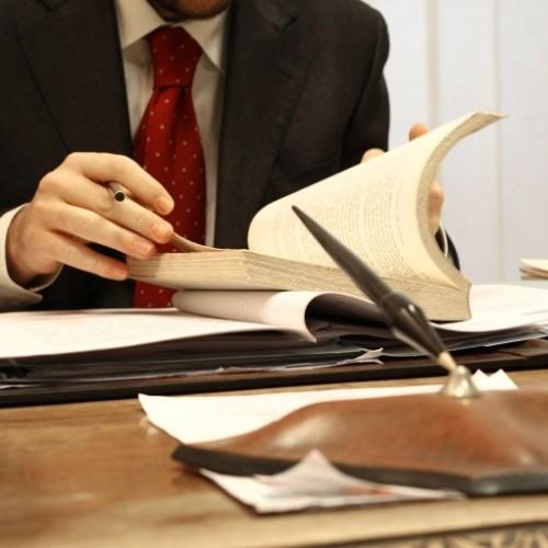 Kiedy przedsiębiorstwom potrzebna jest obsługa prawna?