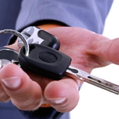 Firmy coraz częściej wynajmują samochody zamiast je kupować