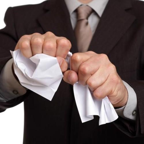 Kiedy pracodawca zwalnia z obowiązku świadczenia pracy