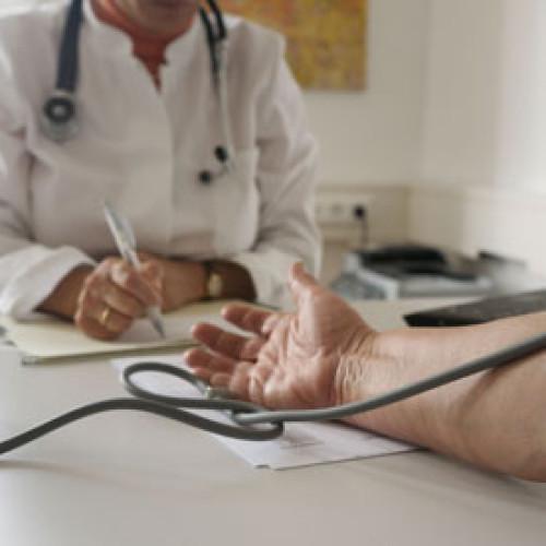 Kto powinien ubiegać się o ubezpieczenie chorobowe?