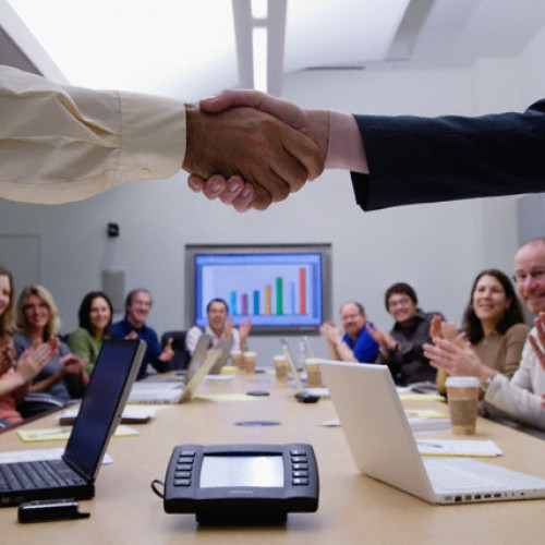 Usługi informatyczne dla firmy – jak wybrać najlepszego dostawcę?