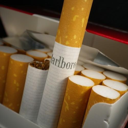 Folia z z naniesionym pyłem tytoniowym nie podlega akcyzie?