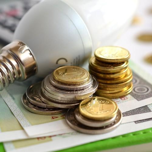 Od czego zależy cena 1kW prądu?