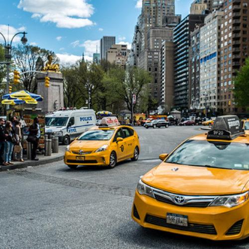 Jak nie dać się naciągnąć na drogą taksówkę?
