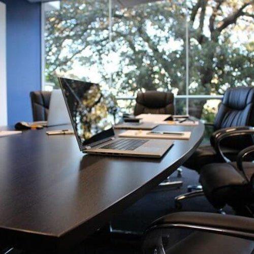 Elektroniczny obieg dokumentów – poznaj korzyści dla różnych działów w Twojej firmie