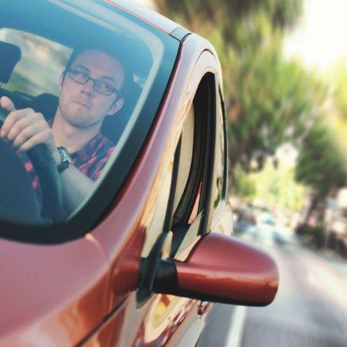 Większość firm nie kontroluje pracowników na drogach podczas podróży służbowych