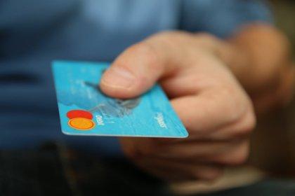 Stacjonarny, mobilny, samoobsługowy – jaki terminal płatniczy wybrać?