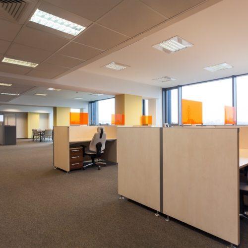 Hałas w biurze: jak się przed nim chronić