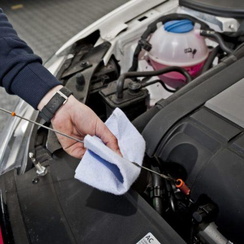 Syntetyczne oleje silnikowe najchętniej wybierane przez polskich kierowców