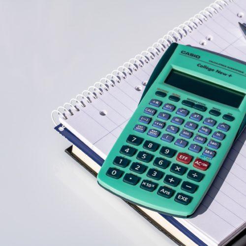 Jak wybierać dobry kalkulator naukowy? Czy warto takowy posiadać?