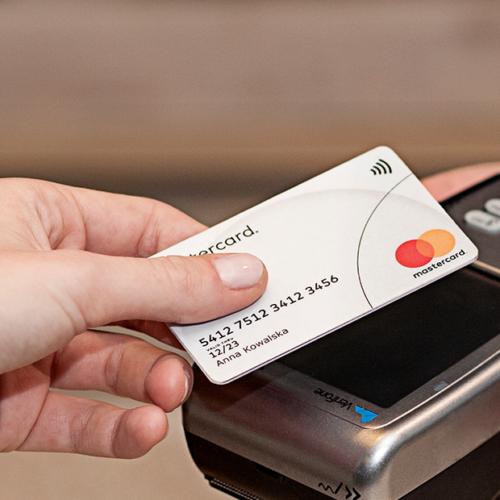 10 korzyści z przyjmowania płatności bezgotówkowych