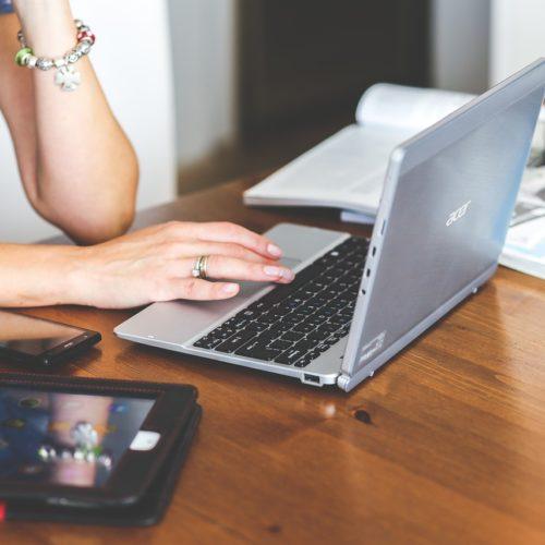 Praca online – jakie możliwości zawodowe