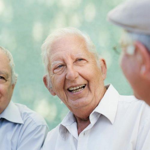 Firmy za rzadko biorą pod uwagę potrzeby starszych klientów