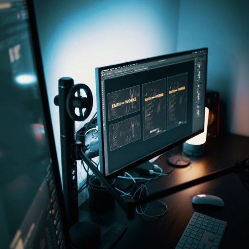 Laptop i monitor – dobrany duet do pracy