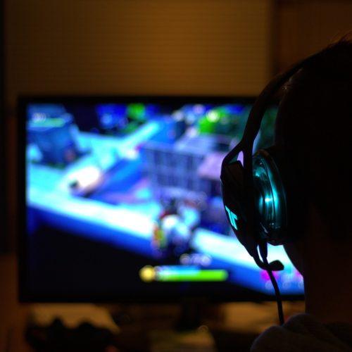 Platformy VoD i gry komputerowe coraz popularniejsze