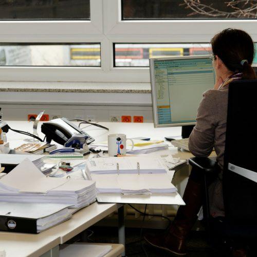 Polacy są coraz bardziej przepracowani i przemęczeni. W efekcie nie radzą sobie ze stresem i nie rozpoznają emocji