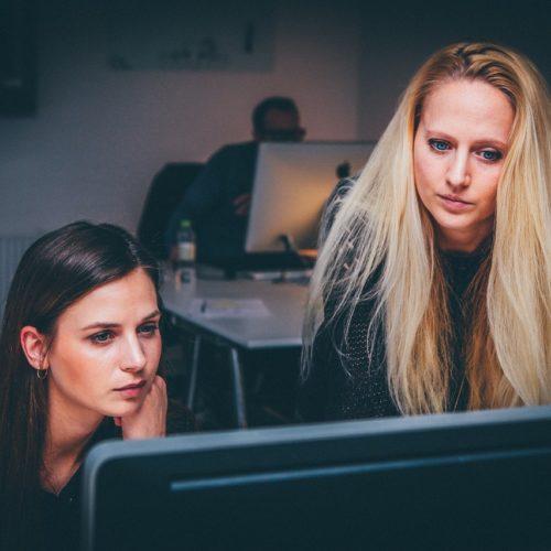 Menadżerów w Polsce łączy skuteczność i determinacja. Kobiety wykazują większą elastyczność i otwartość na zmiany