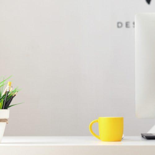 Efektywny organizer na biurko
