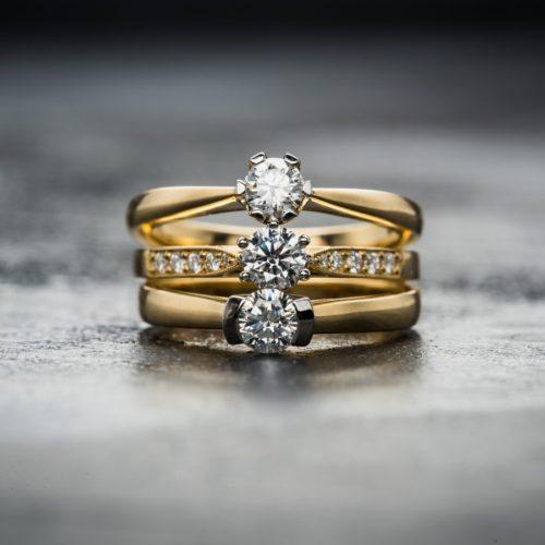 Pierścionki z brylantem na zaręczyny