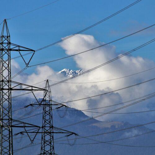 Agregaty prądotwórcze – sposób na zachowanie ciągłości w dostawie prądu