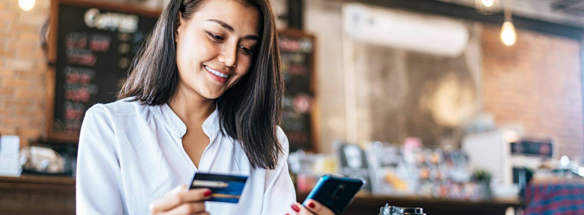 Czy kartę kredytową można uzyskać przez internet?