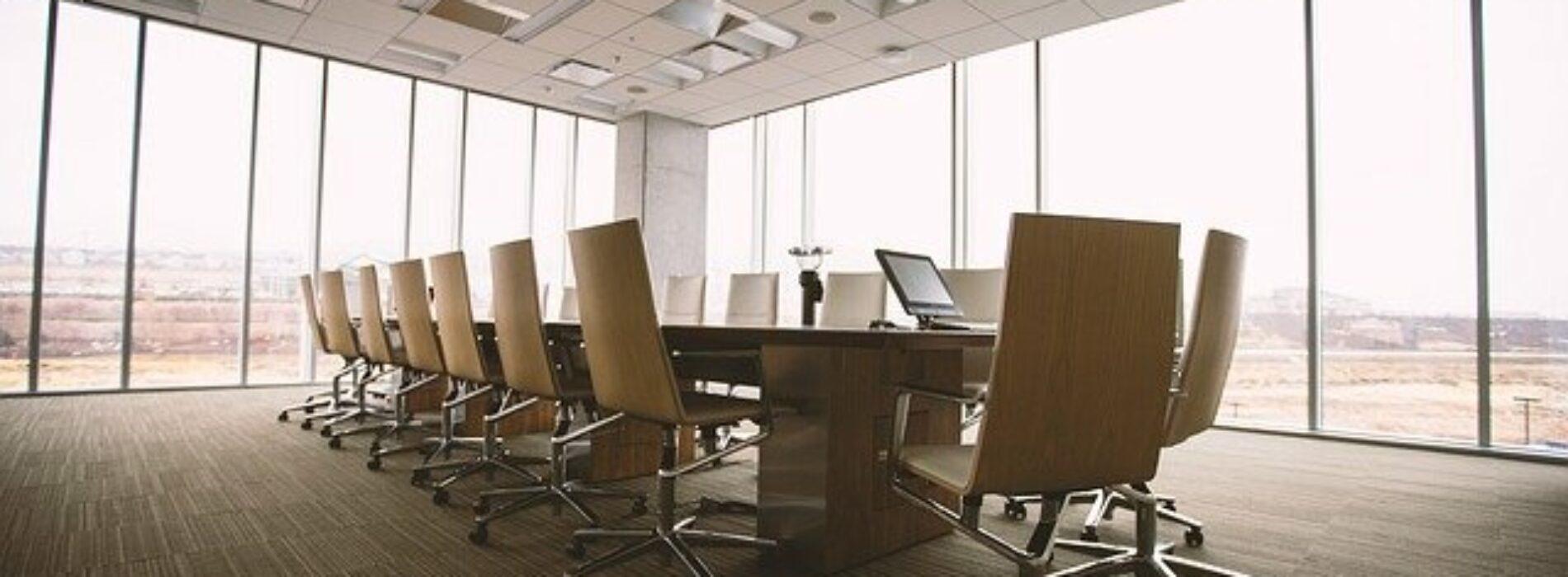 Dlaczego warto skorzystać z usług firmy rekrutacyjnej przy poszukiwaniu pracy?