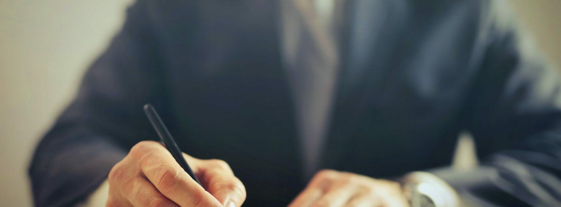 Odszkodowania komunikacyjne – recepta na uzyskanie rekompensaty za całą szkodę. Rozmowa z Radcą Prawnym Michałem Gruchaczem
